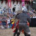 Bild 2012_08_burgfest_stargard-rabenbanner-022-jpg
