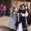 image 41-burgfest2013_fuerstenpaar-jpg