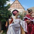image 64-burgfest2013_fuerstenpaar-jpg