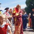 Bild 2014_08_09-burgfest-015-einzug-jpg