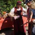 image 2014_08_09-burgfest-017-einzug-jpg
