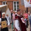 image 2014_08_10-burgfest-016-einzug-jpg