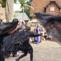 Bild 2014_08_10-burgfest-210-totentanz-jpg