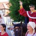 image 2015_08_09-burgfest-stargard-002-einzug-jpg