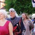 image 2015_08_09-burgfest-stargard-011-einzug-jpg