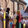 Bild 2015_08_09-burgfest-stargard-033-huldigung-kuno-jpg