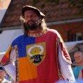 image 2015_08_09-burgfest-stargard-038-huldigung-turniermashall-jpg
